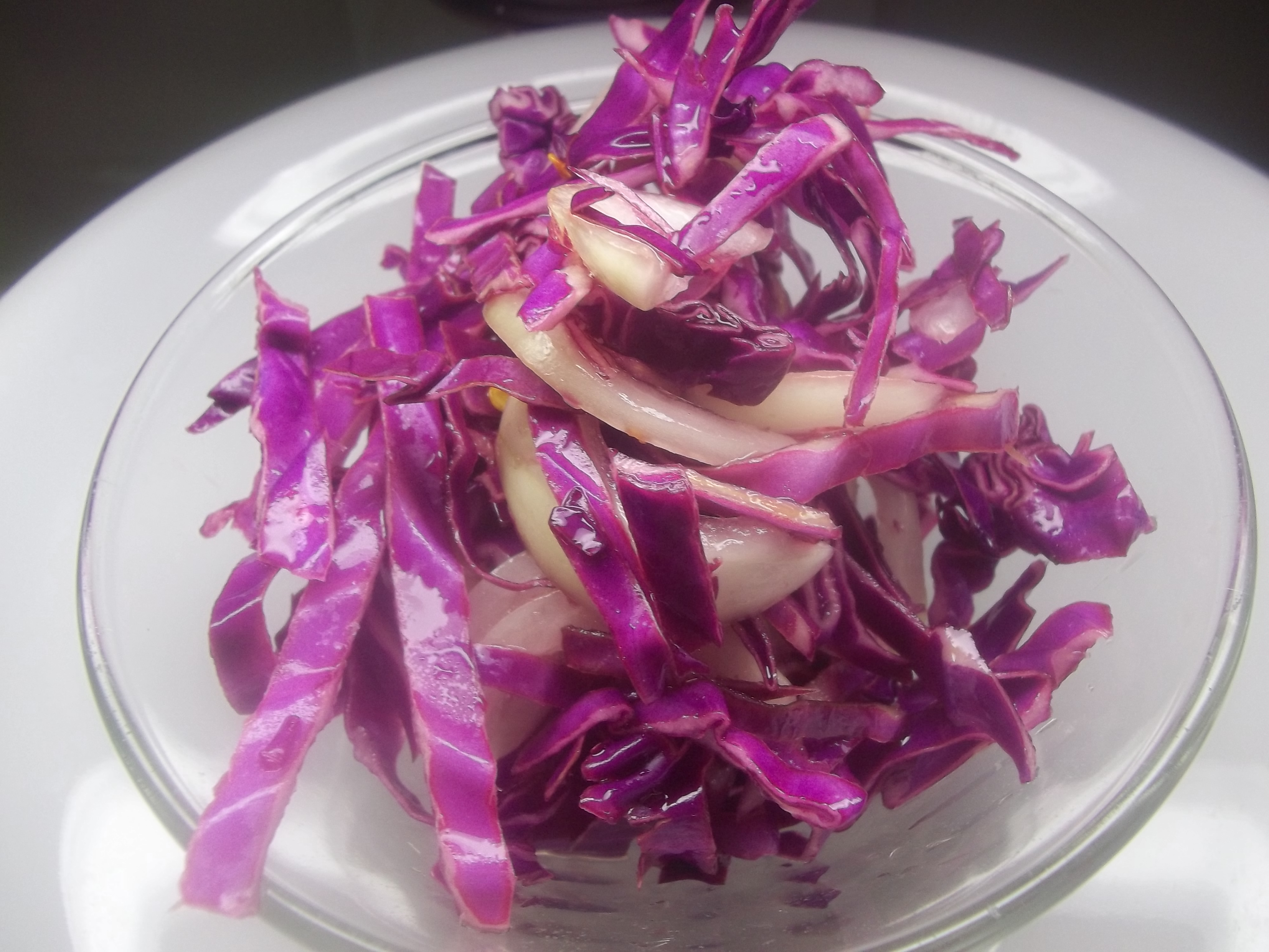 how to cut red cabbage for slaw