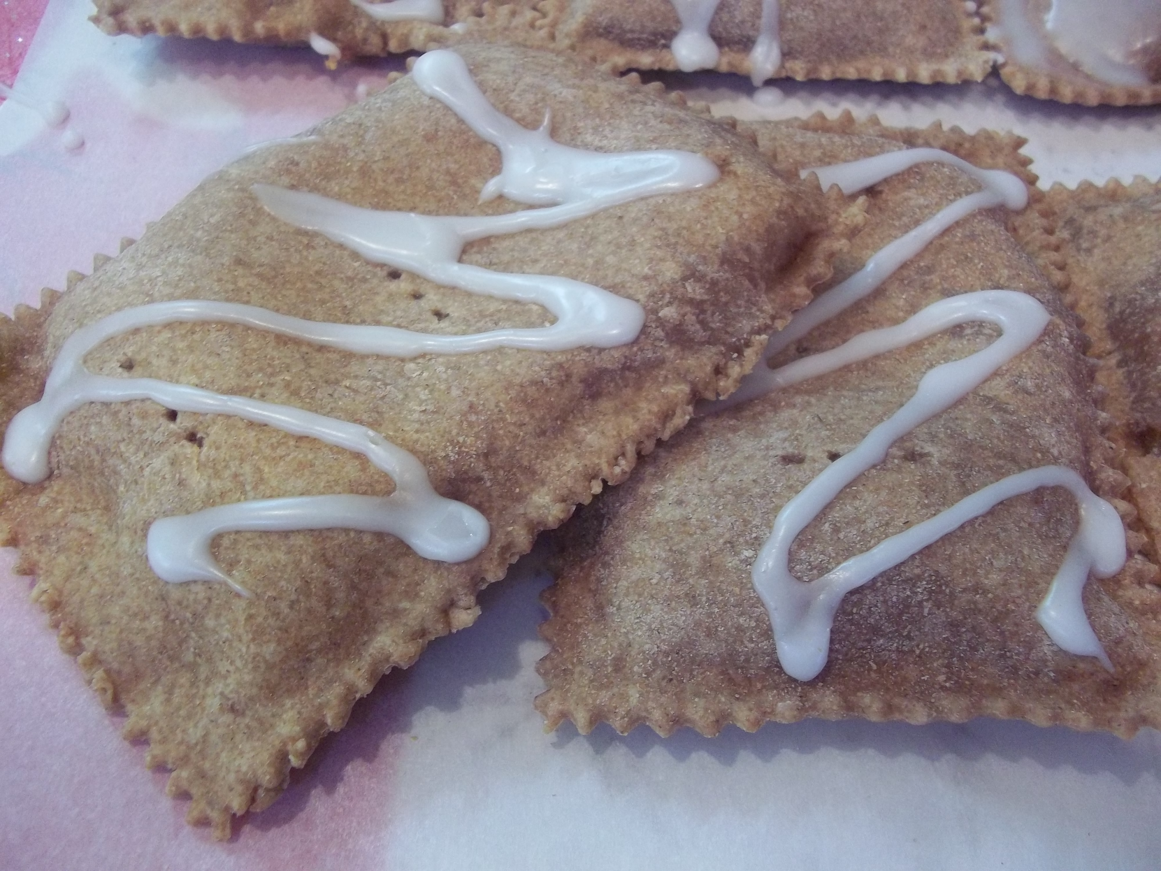 I Receive Updates From Another Food Blog Via Facebook Called Smitten Kitchen.  Their Recipe Last Spring For Homemade Pop Tarts Caught My Eye.